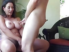 Jism everywhere on mature Cougar