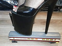 Lady L kick instruct with sexy black 20 cm extraordinary high heels.