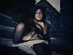 UNDER MY THUMB - antique 60's furry beauty tease