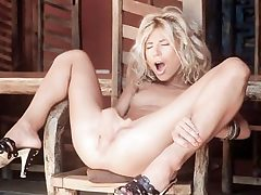 Torrid thin blonde draining her saucy gash