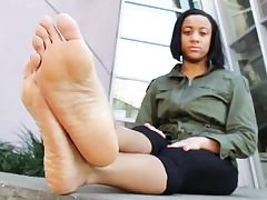 Feet fetish sextape with a kinky babe showing her slutty soles
